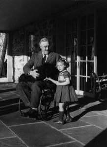 Franklin D. Roosevelt pyörätuolissa